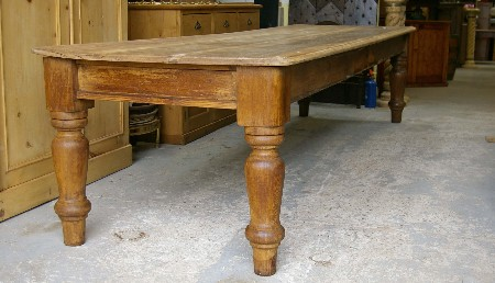 Farmhouse kitchen table Photo - 6