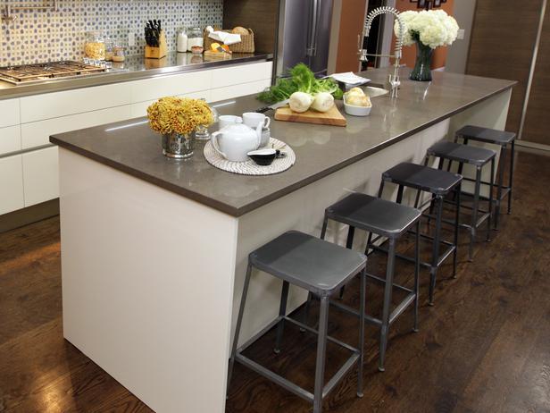 Kitchen island with stools Photo - 8