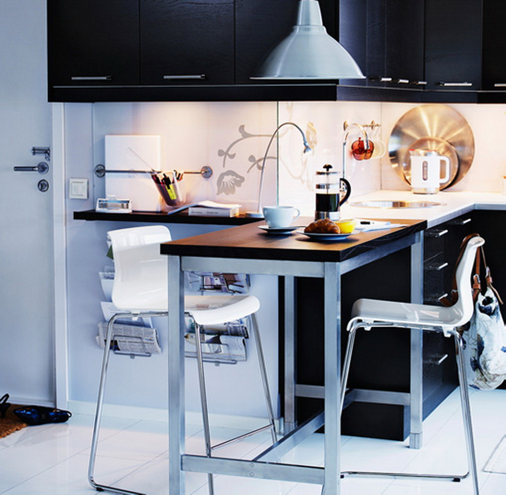 10 Photos To Perfect Little Tables For Small Kitchen Spaces
