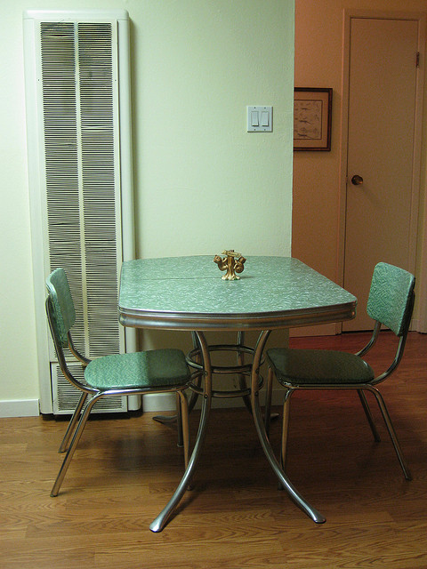 Retro kitchen table Photo - 1