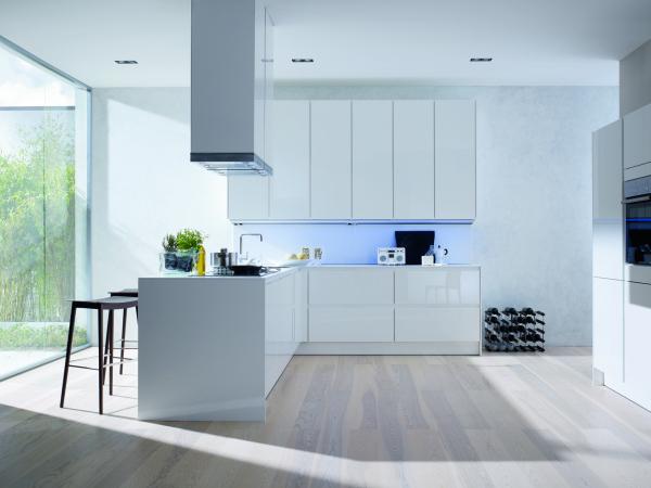 White kitchen chairs Photo - 9