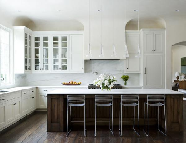 White kitchen island Photo - 7