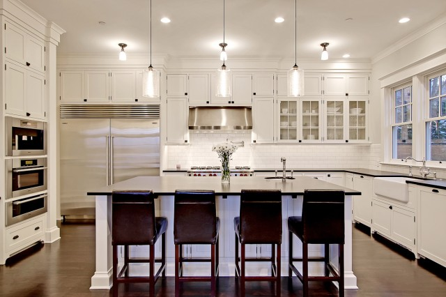 White kitchen island Photo - 8