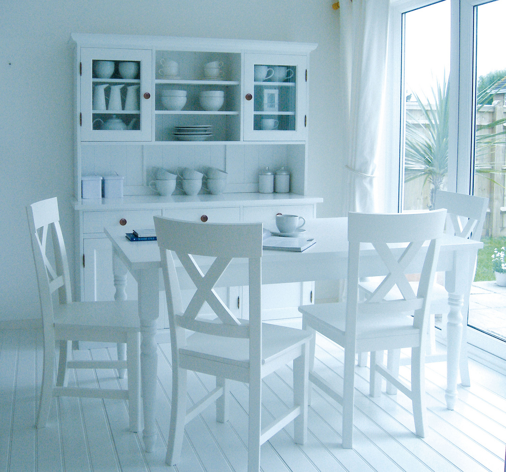 Quality white kitchen table sets kitchen ideas for White kitchen table set