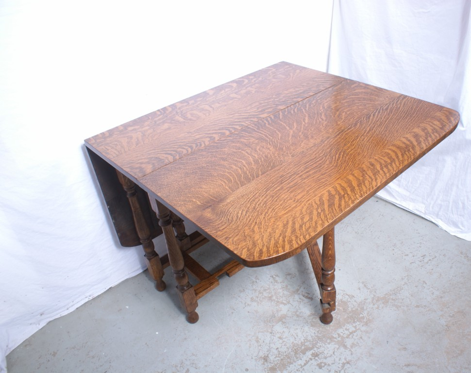 Antique drop leaf kitchen table kitchen ideas for Kitchen table with leaf
