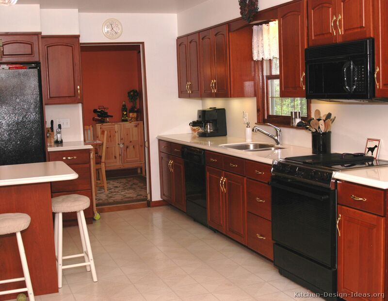 Black kitchen appliances Photo - 5