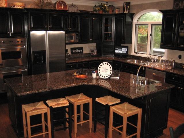 Black kitchen appliances Photo - 6