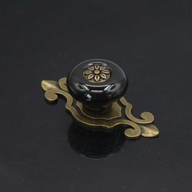 Black knobs for kitchen cabinets Photo - 10