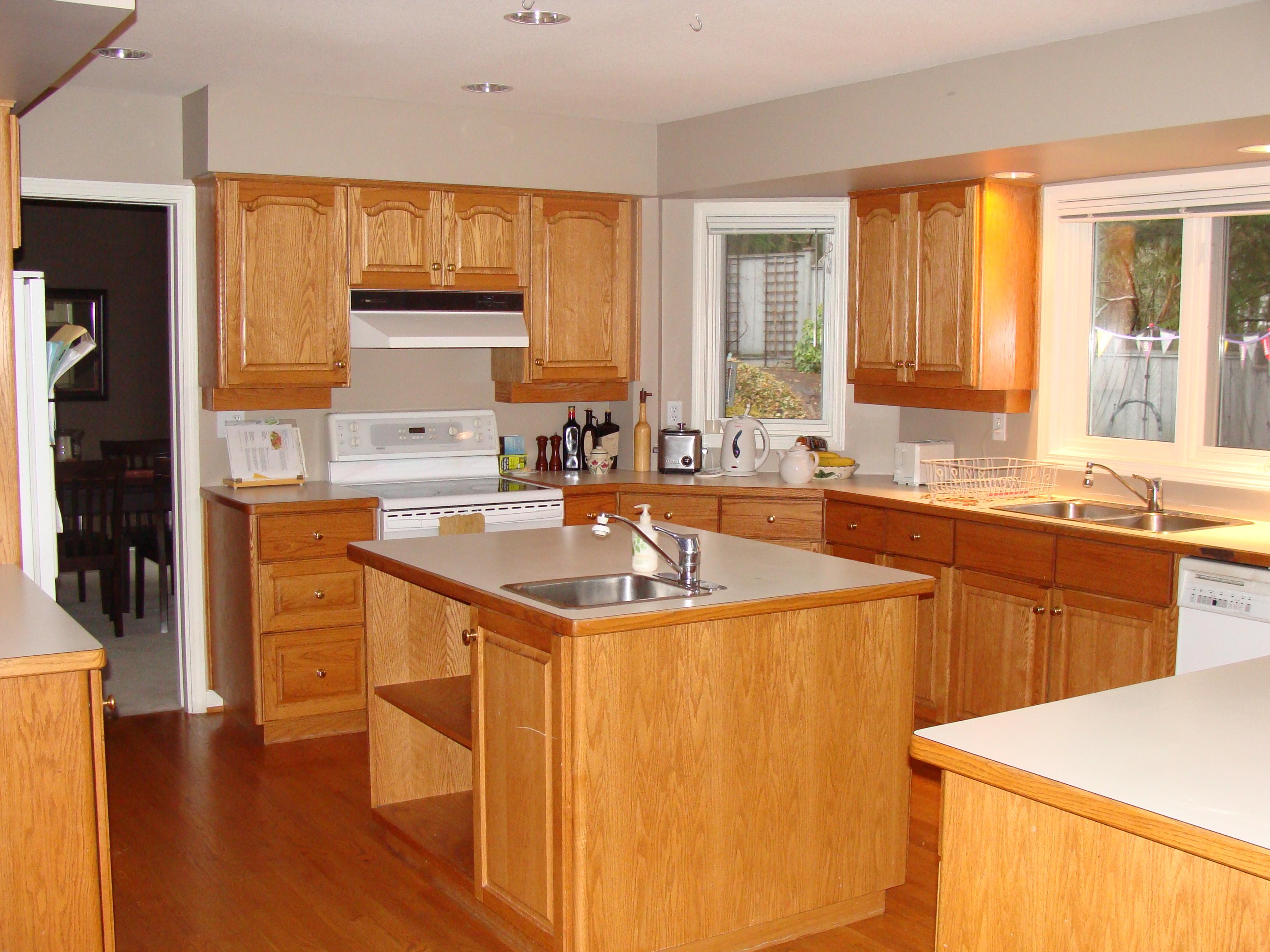 Colored small kitchen appliances Photo - 5
