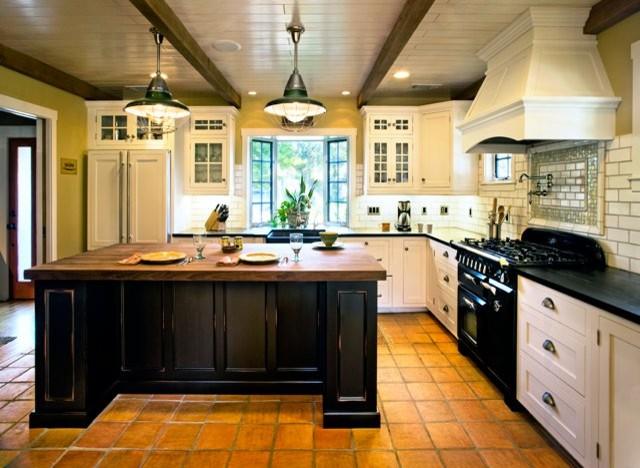 Cottage Kitchen Island Photo 11