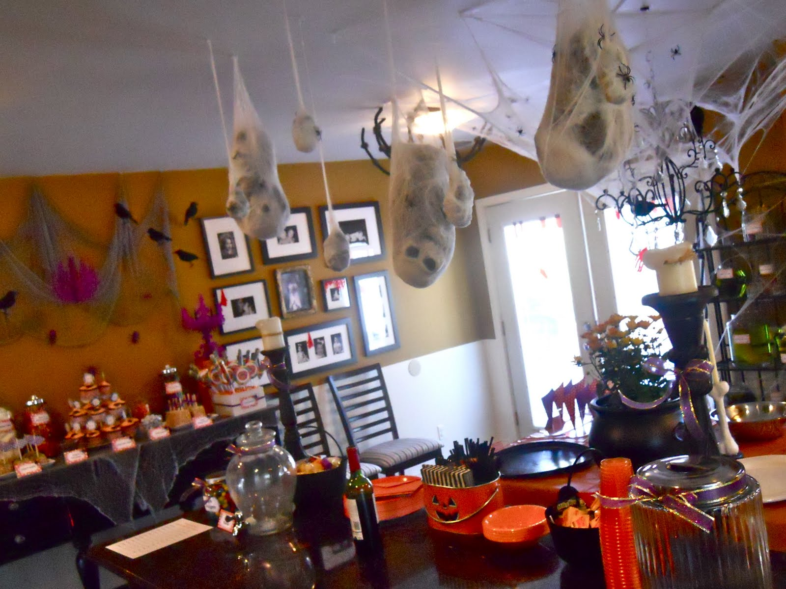 Halloween kitchen decor -