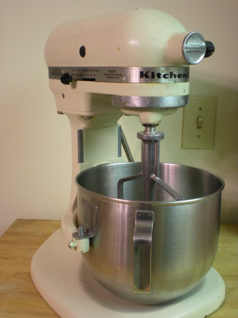 Kitchen aide stand mixer Photo - 9
