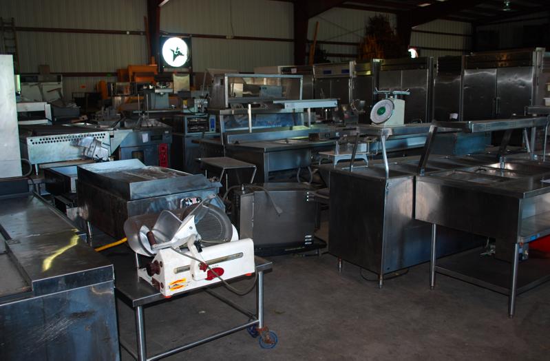 Kitchen appliance warehouse Photo - 6
