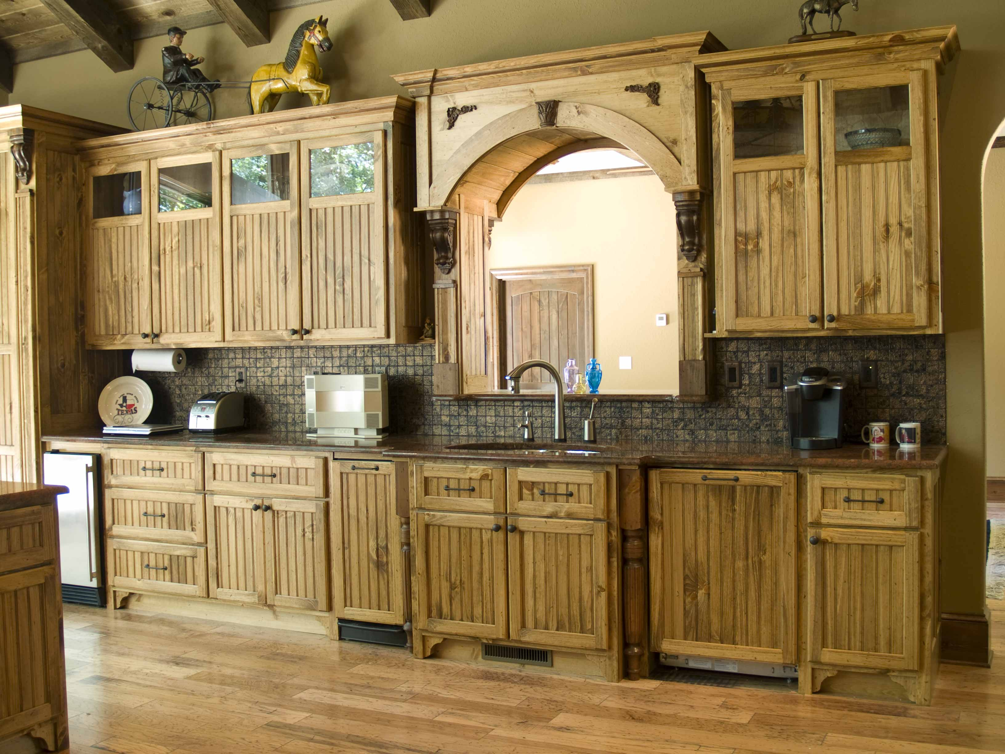 Kitchen armoire cabinets Photo - 6