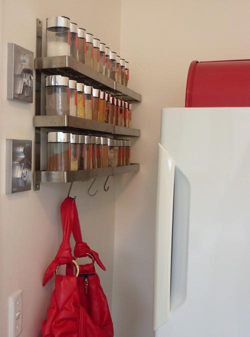 Kitchen art spice rack Photo - 5