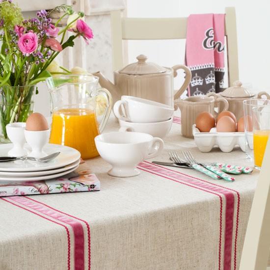 kitchen breakfast table photo 1