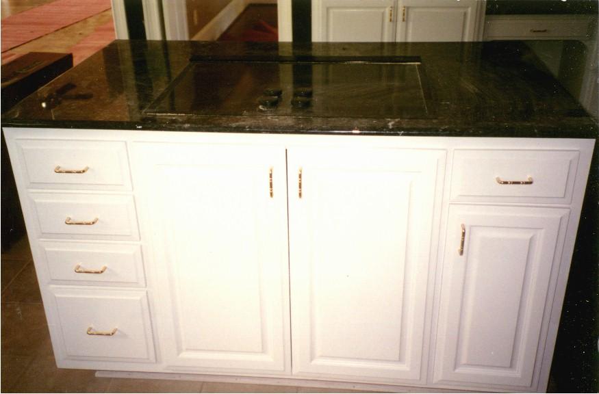 Kitchen cabinet islands Photo - 10