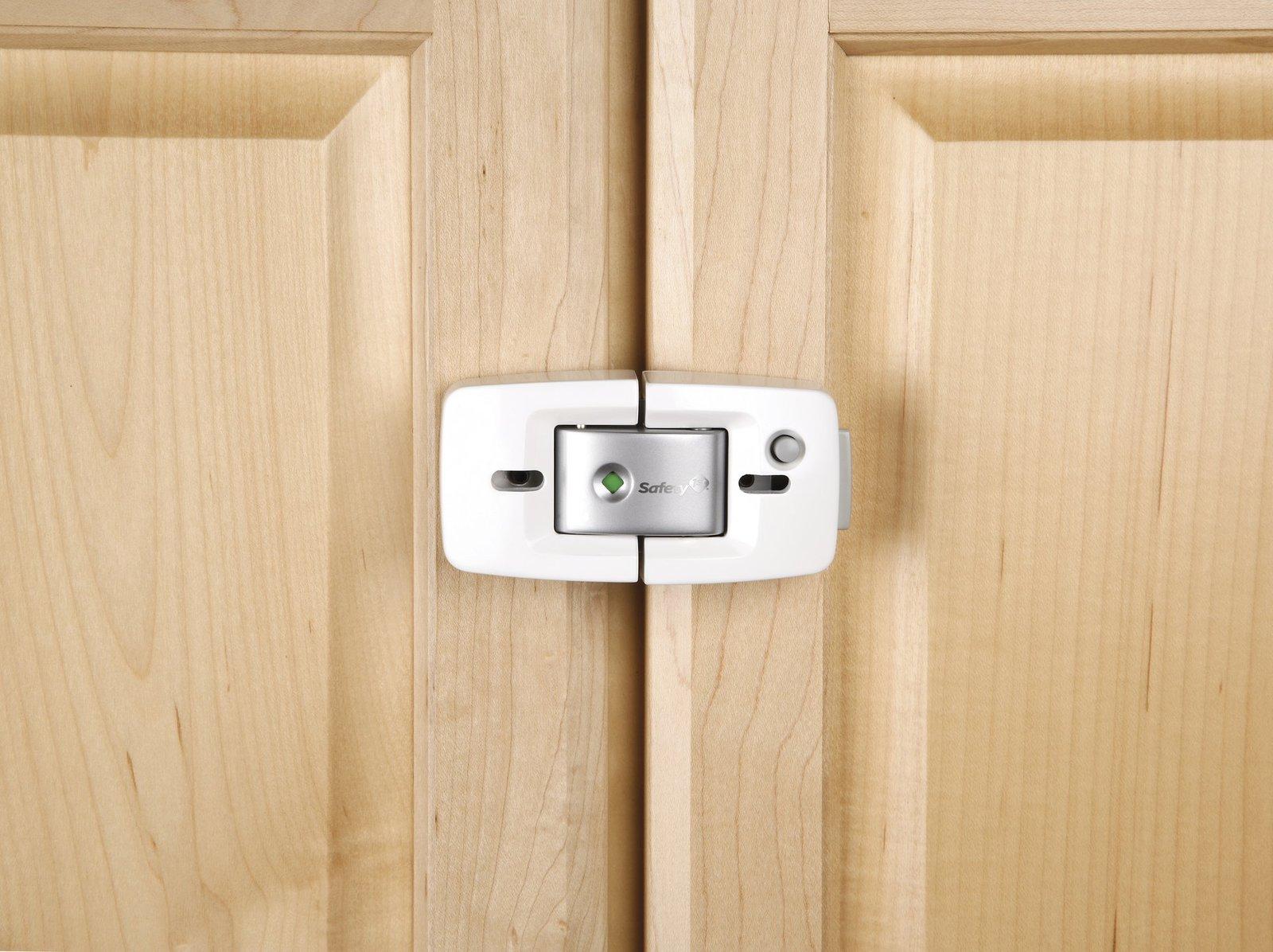 Kitchen cabinet locks Photo - 1