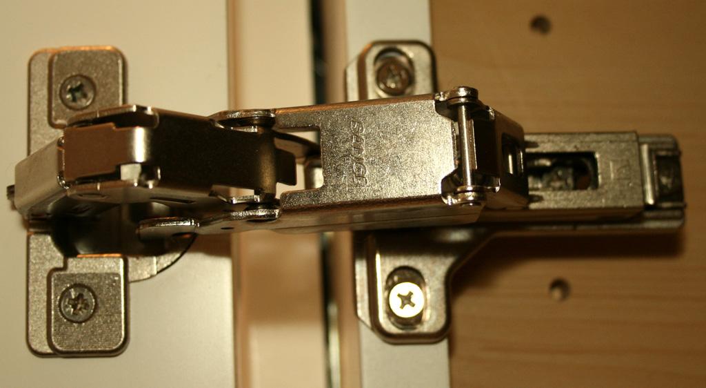Kitchen cabinet locks Photo - 10