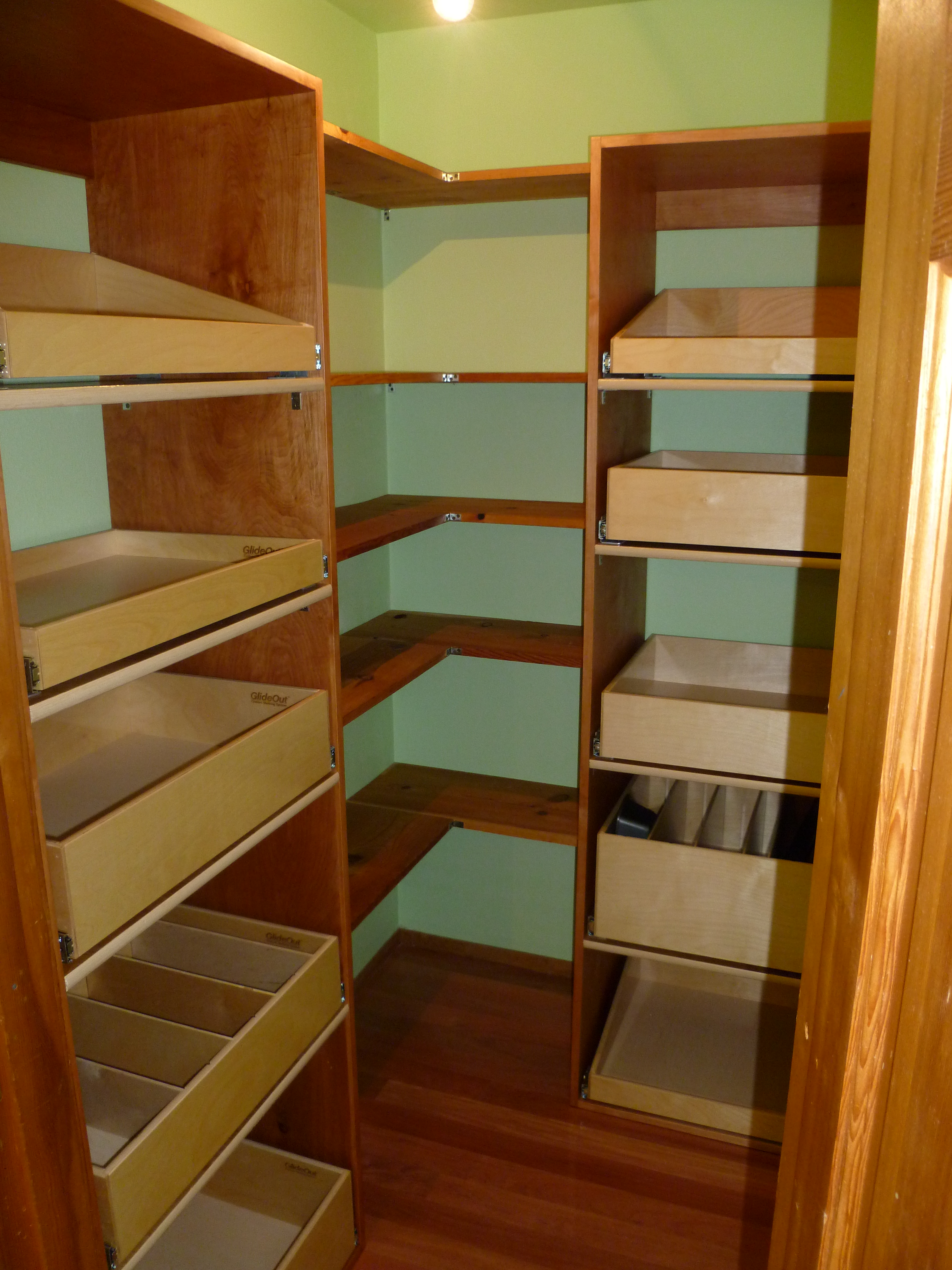 Kitchen cabinet organizing systems Photo - 9