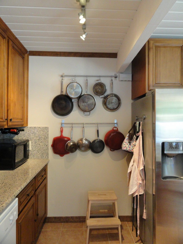 Kitchen cabinet racks Photo - 10