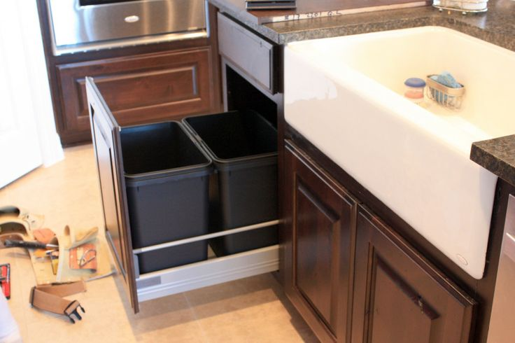 Kitchen cabinet trash can pull out Photo - 12