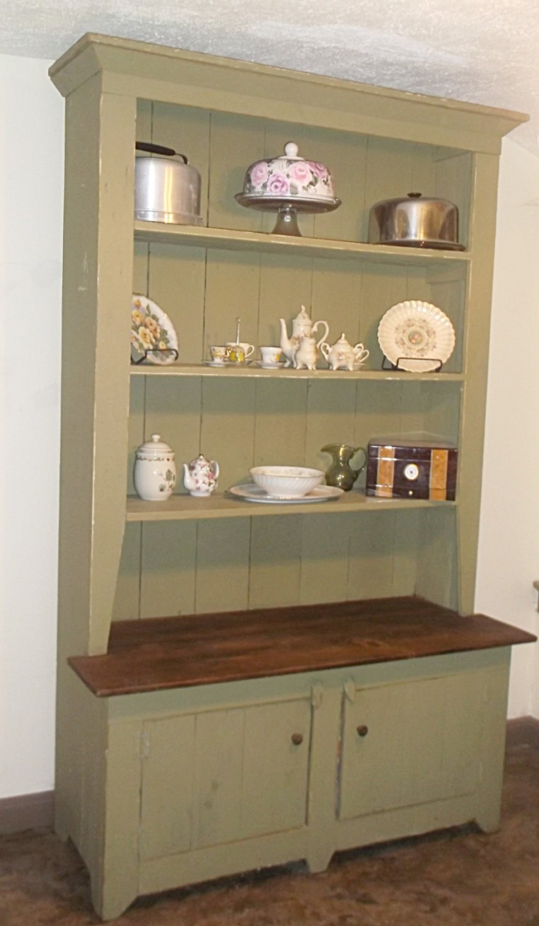 Kitchen cabinet with hutch Photo - 11