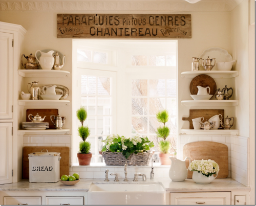 Kitchen cabinets shelves Photo - 1