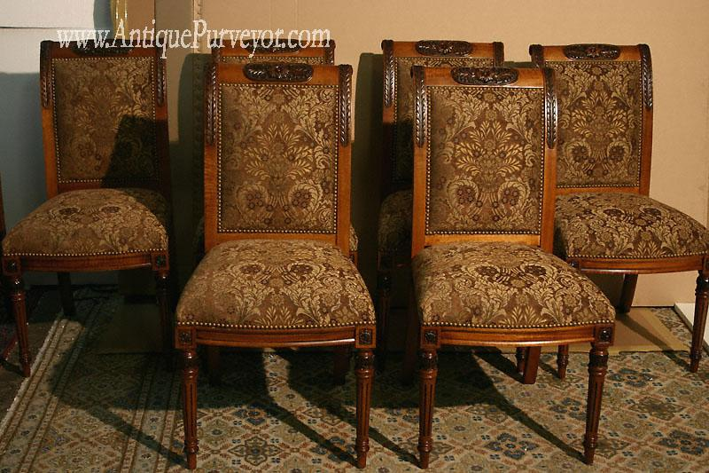 Kitchen chairs with cushions Photo - 3