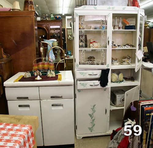Kitchen china cabinet Photo - 1