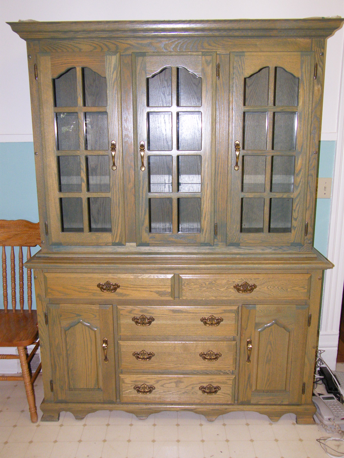 Kitchen china cabinet Photo - 2