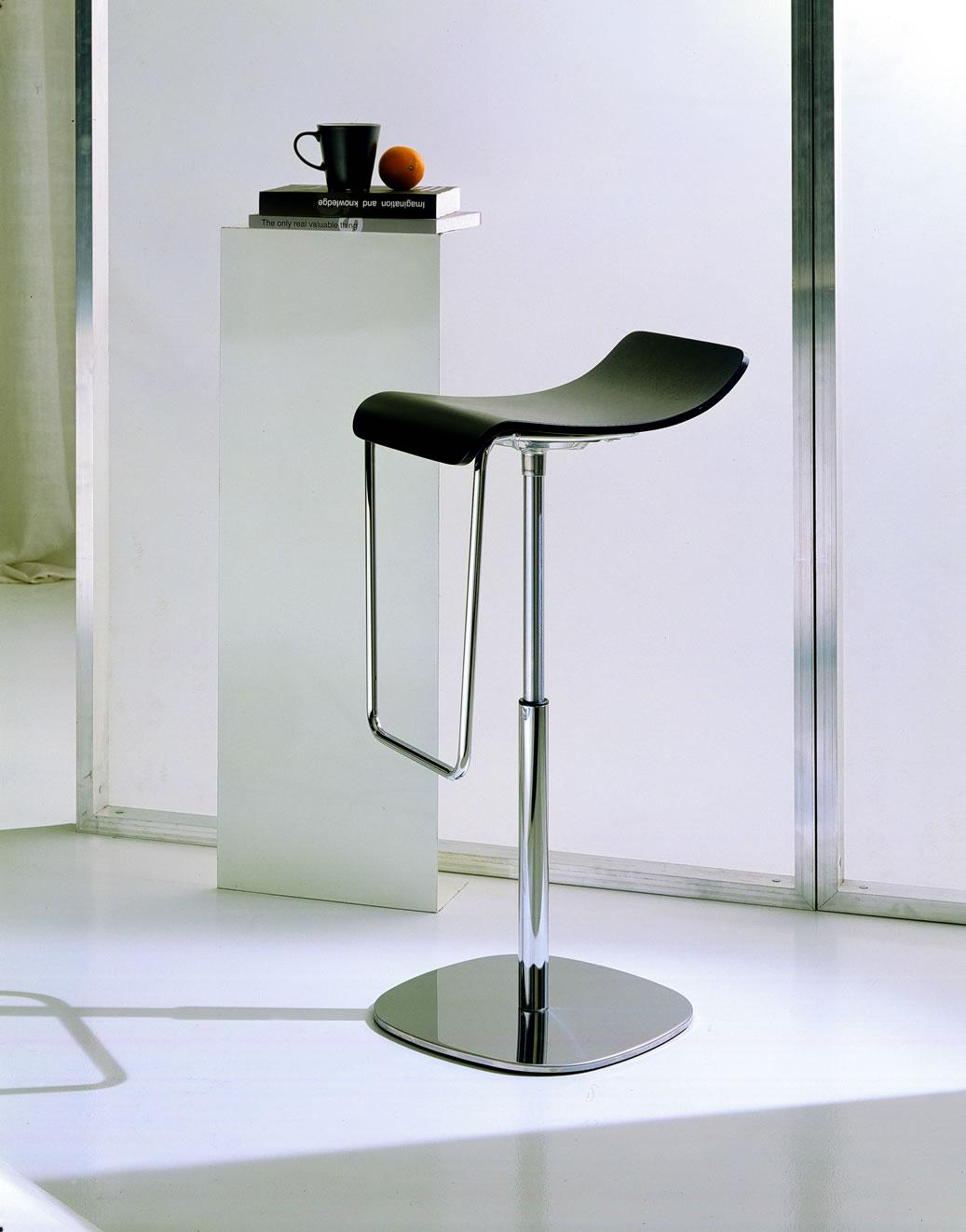 Kitchen counter stools Photo - 1