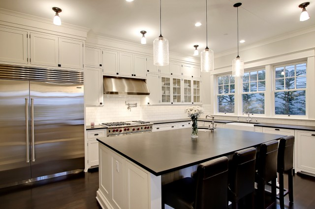 Kitchen countertop organization Photo - 2