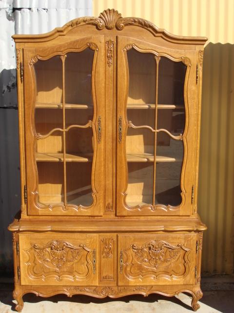 Kitchen curio cabinet Photo - 9