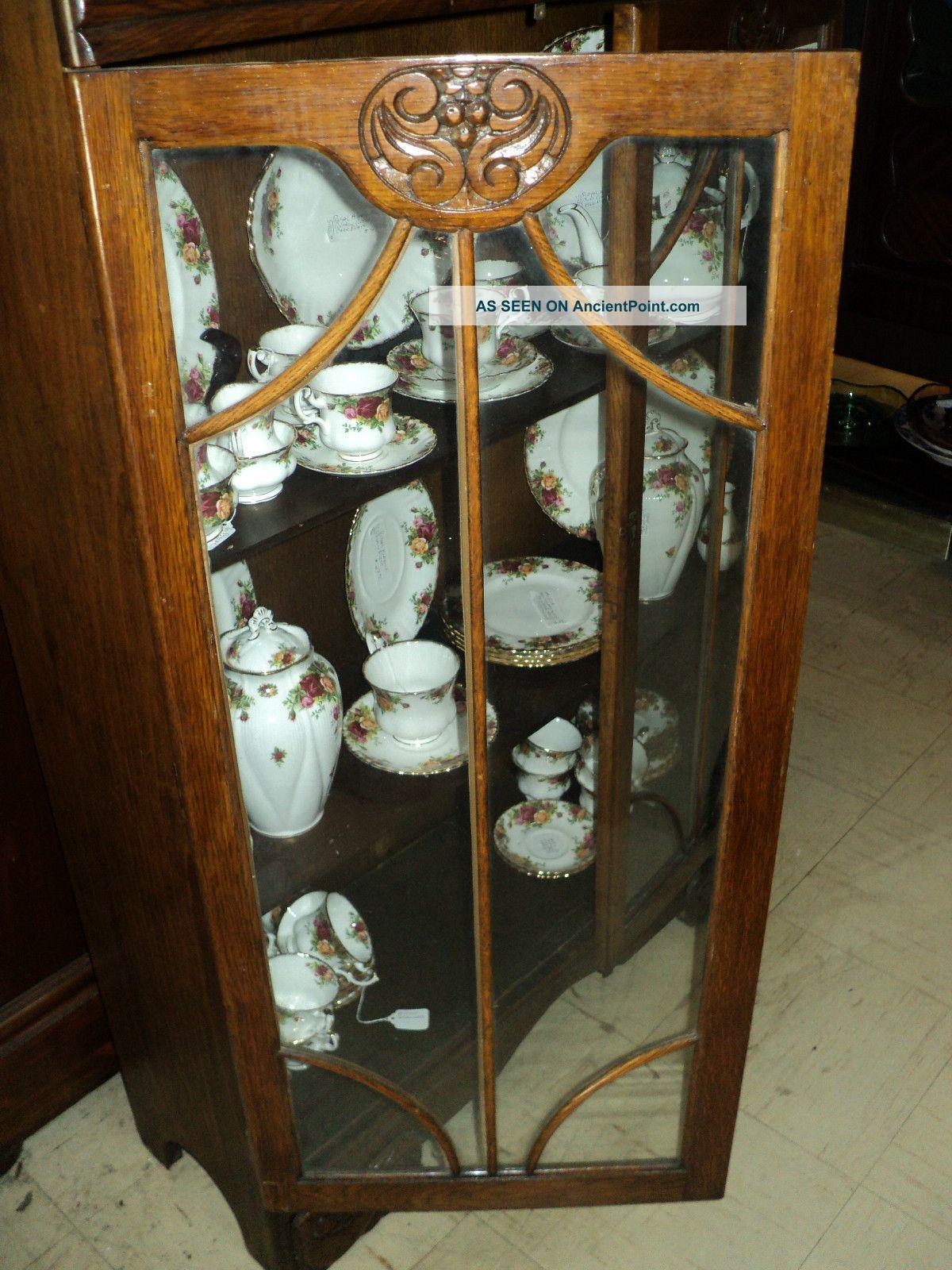 Kitchen curio cabinet Photo - 6