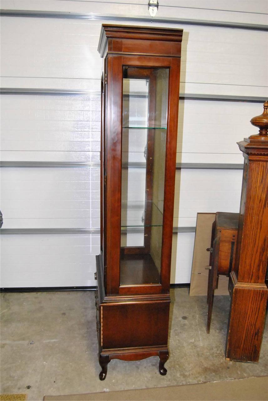 Kitchen curio cabinet Photo - 7