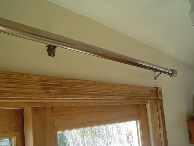 Patio curtain rod