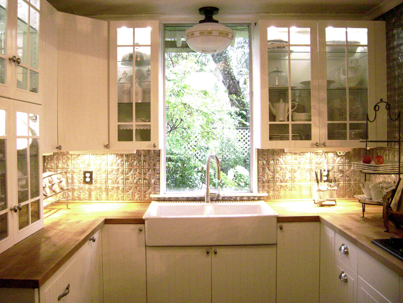 Kitchen display cabinets Photo - 6