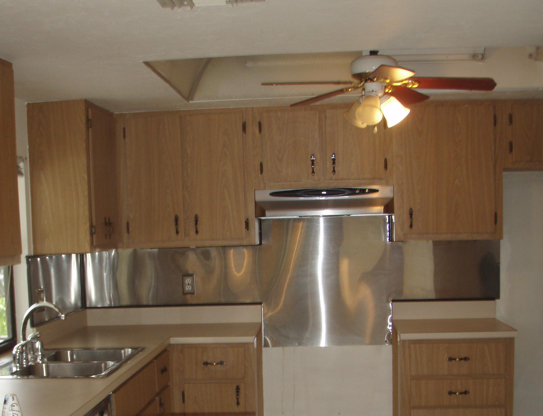 Kitchen fluorescent lighting Photo - 7