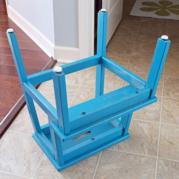 Kitchen helper step stool photo 11 kitchen ideas for Kitchen helper stool