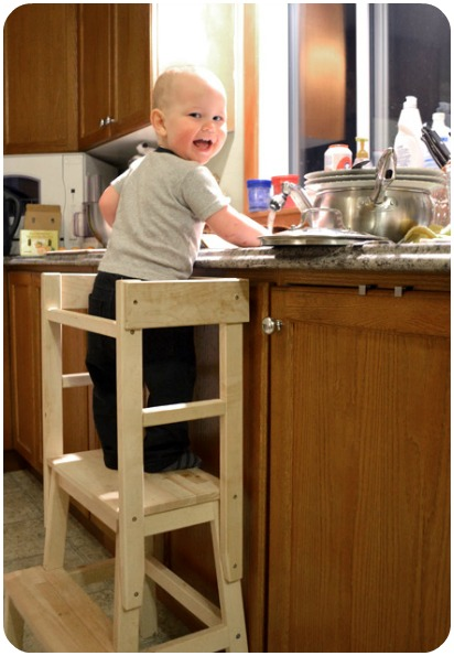 Kitchen helper stool for toddlers Photo - 9