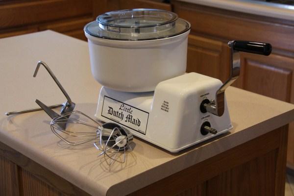 Kitchen maid mixer Photo - 2