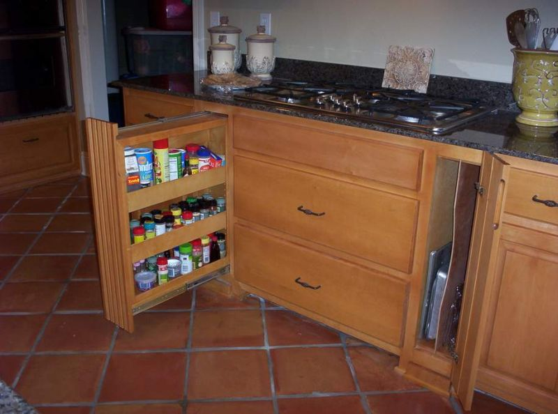 Kitchen spice cabinet Photo - 6
