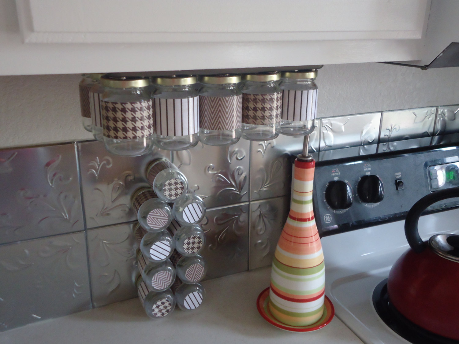 Kitchen spice storage Photo - 7