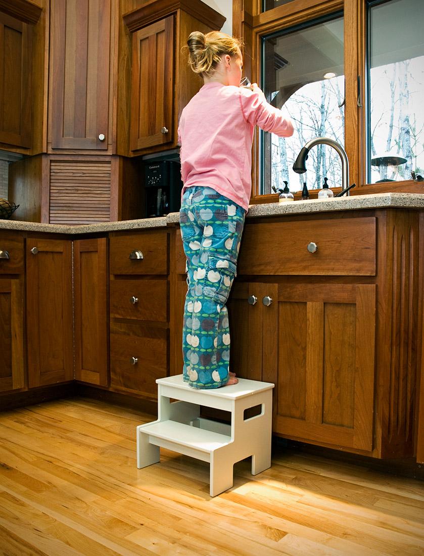 Kitchen step stool Photo - 11