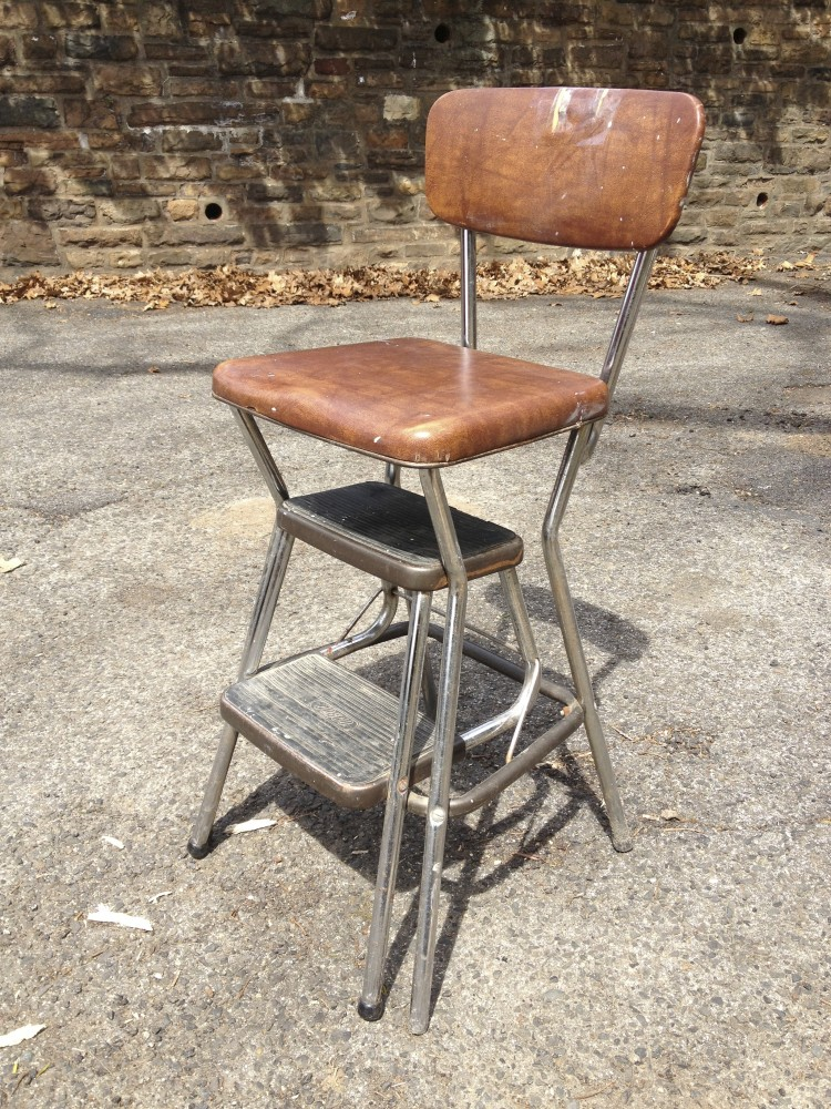 Kitchen step stool Photo - 3