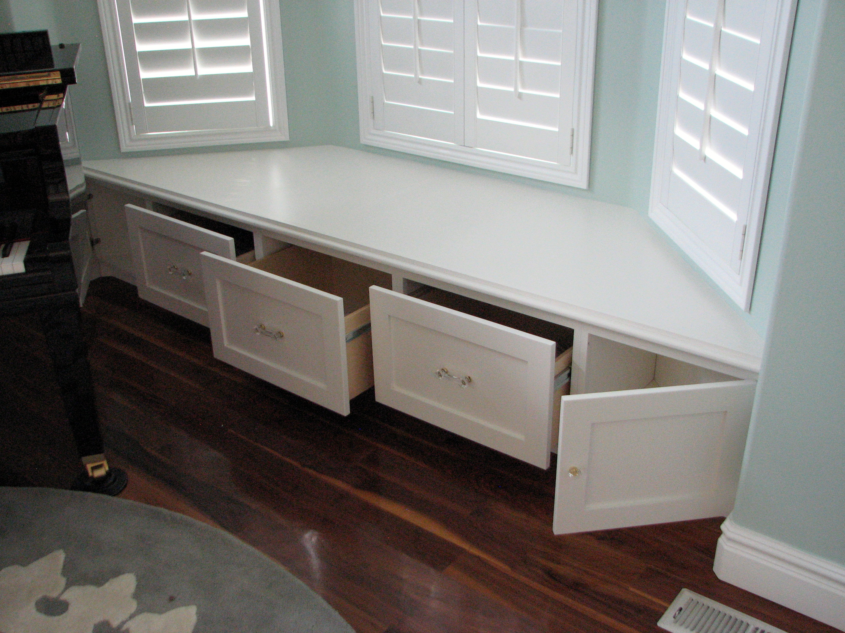 Kitchen table with bench seat kitchen ideas.