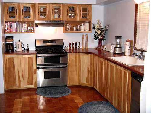 Kitchen utility cabinets Photo - 2