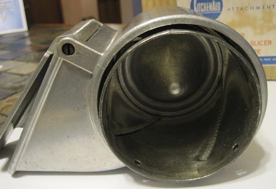 Kitchenaid slicer shredder attachment Photo - 5