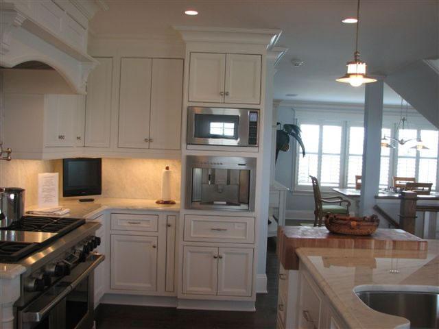 Microwave kitchen cabinet kitchen ideas for Kitchen designs microwave